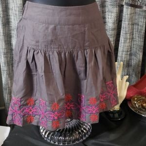 American Eagle Outfitters skirt w/embroidered desi